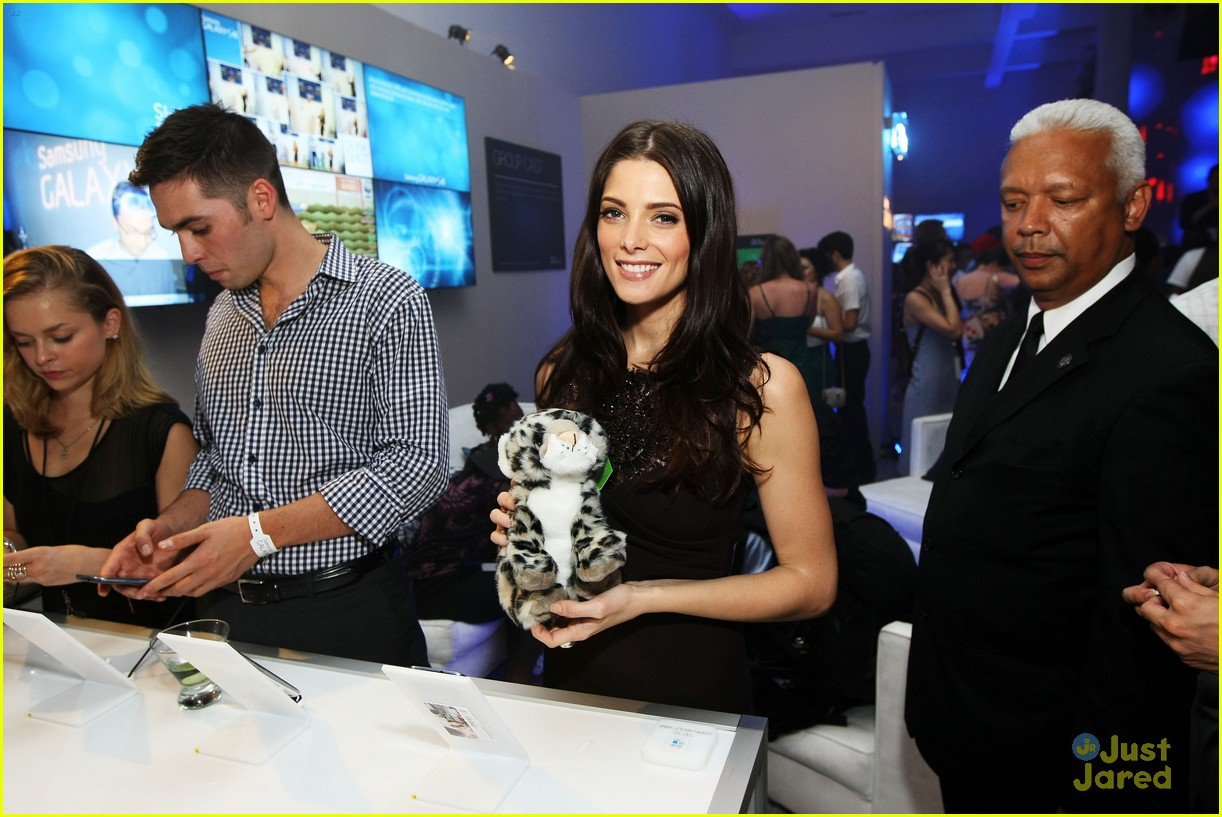 ashley greene samsung launch 03