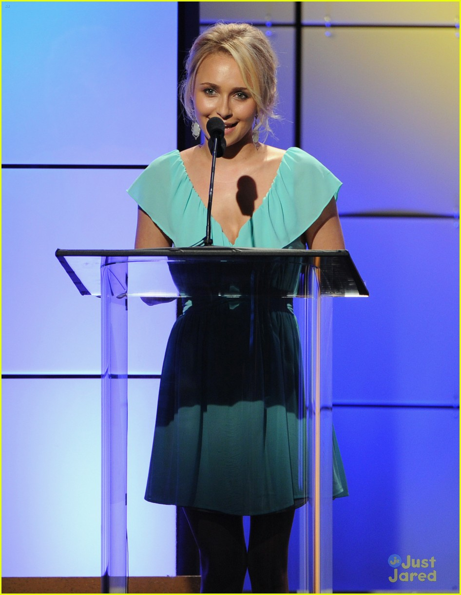 hayden panettiere critics tv awards 01