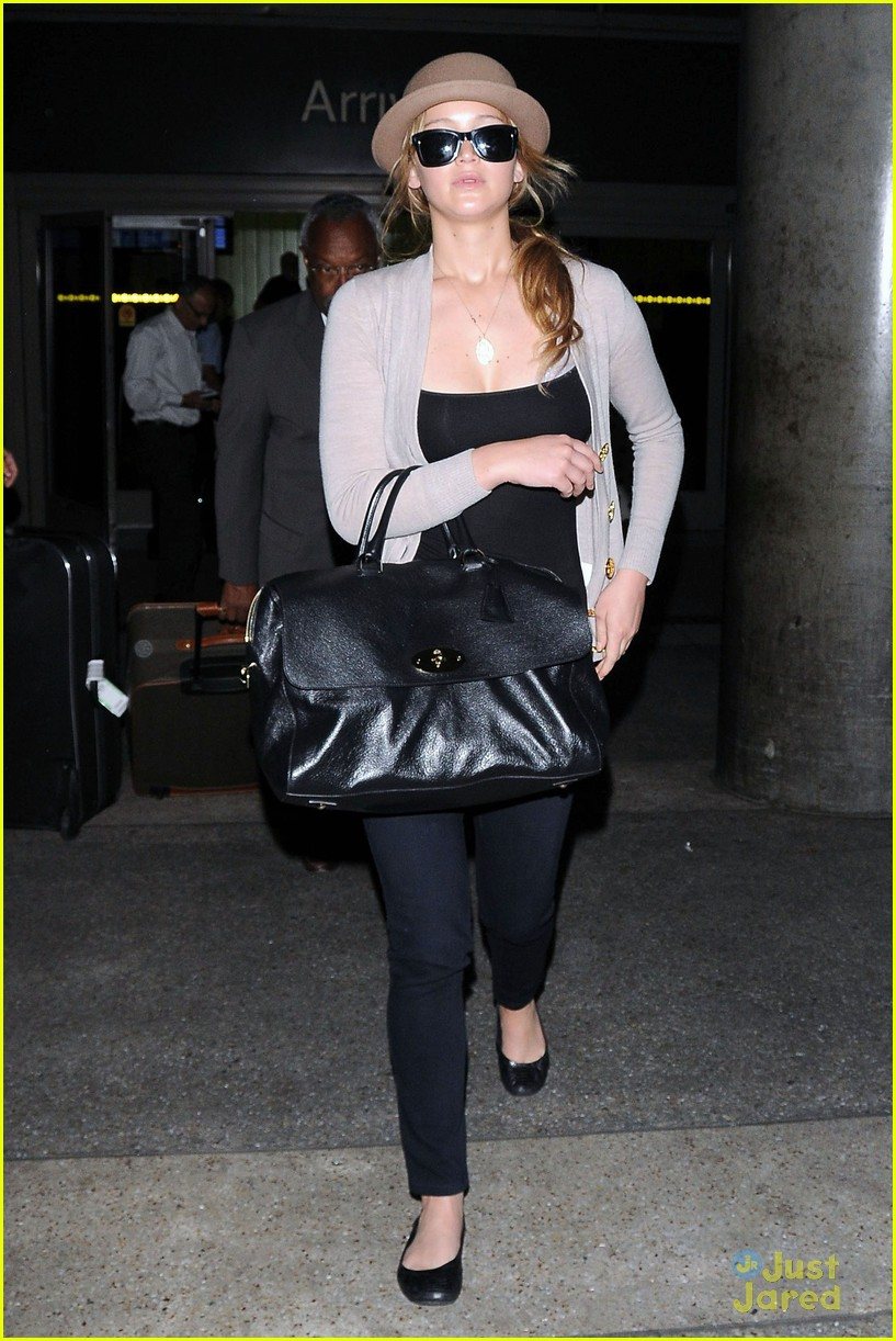 jennifer lawrence lax arrival 12
