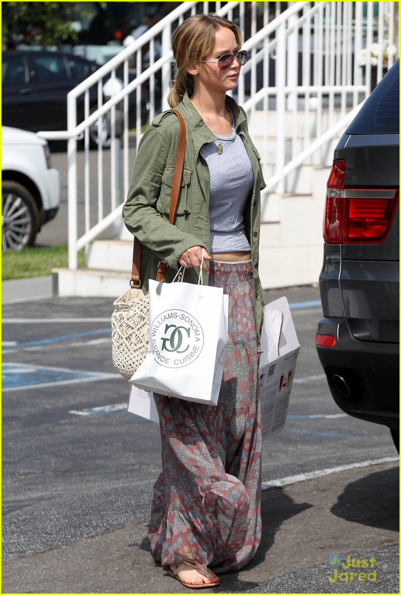 jennifer lawrence sunday shopping 03