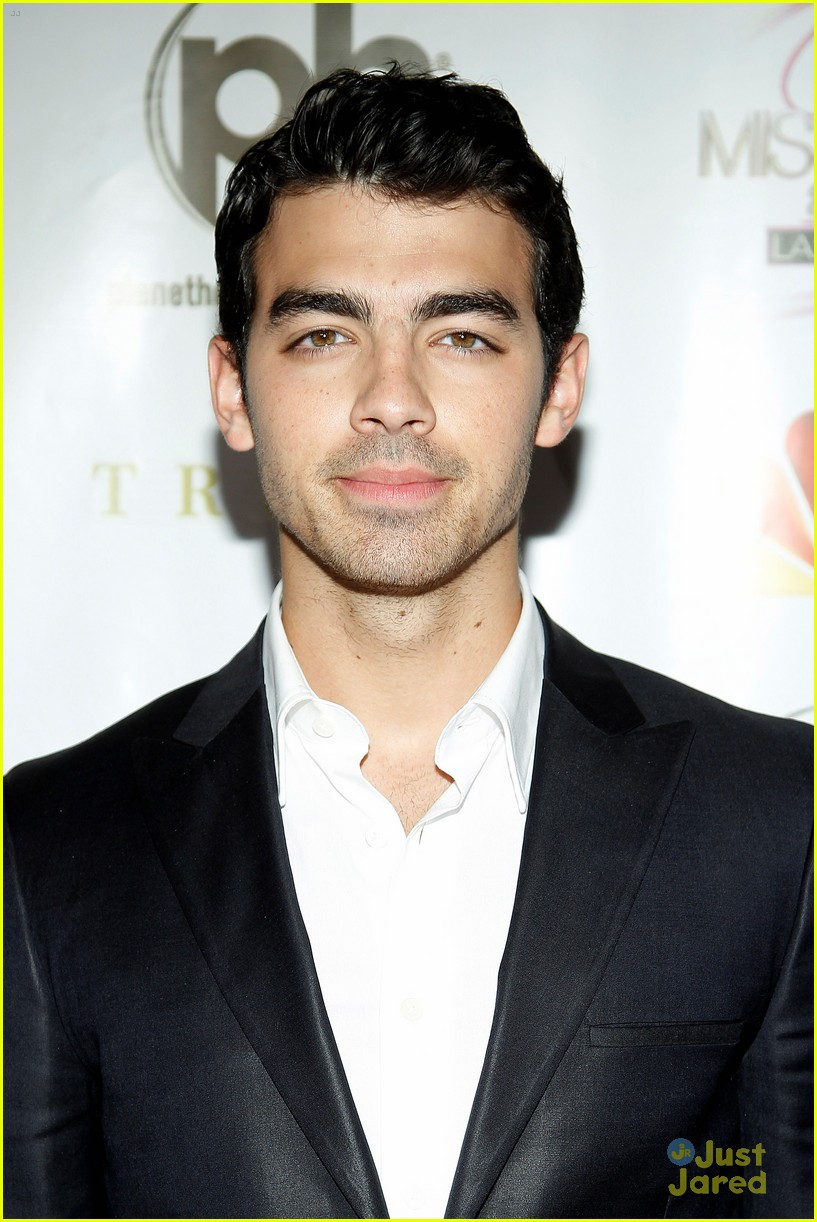 joe jonas miss usa 01