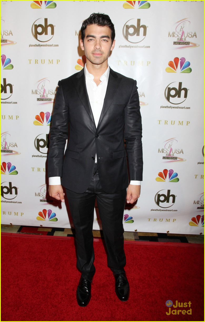 joe jonas miss usa 02