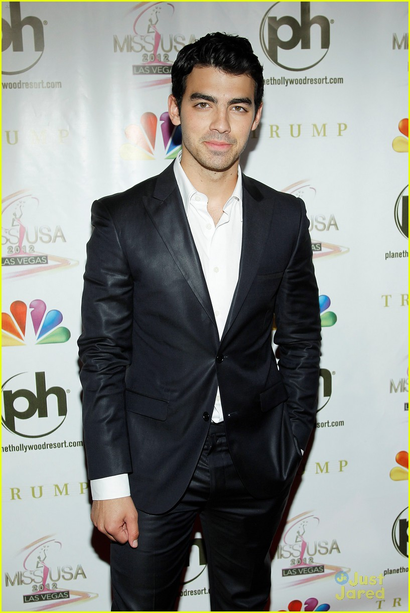 joe jonas miss usa 04