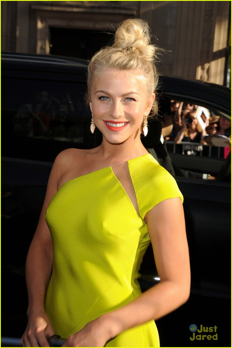julianne hough roa la 01