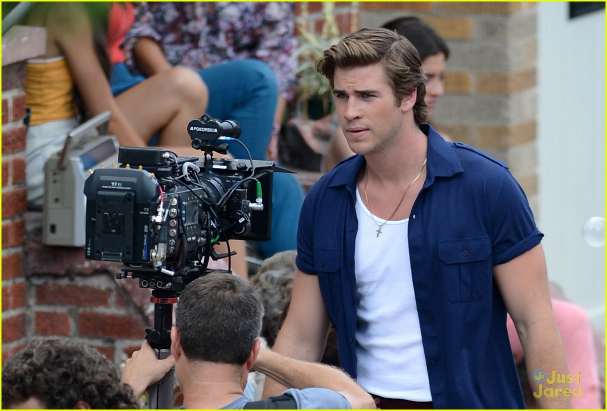 liam hemsworth empire state bandage 01