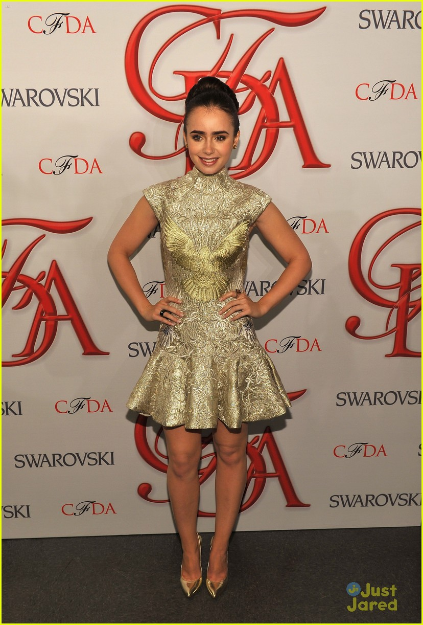 lily collins cfda awards 16