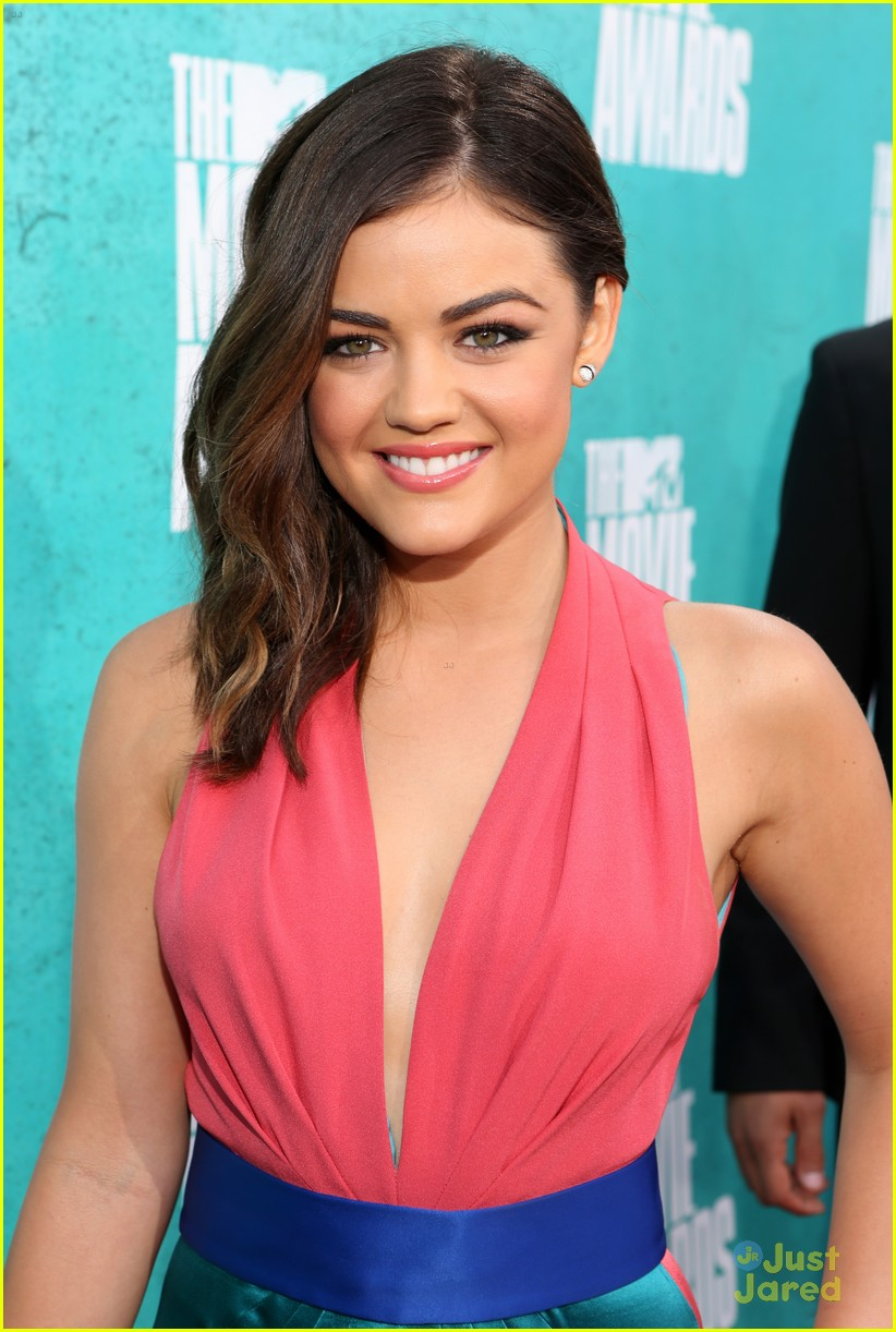lucy hale chris zykla mtv movie awards 07