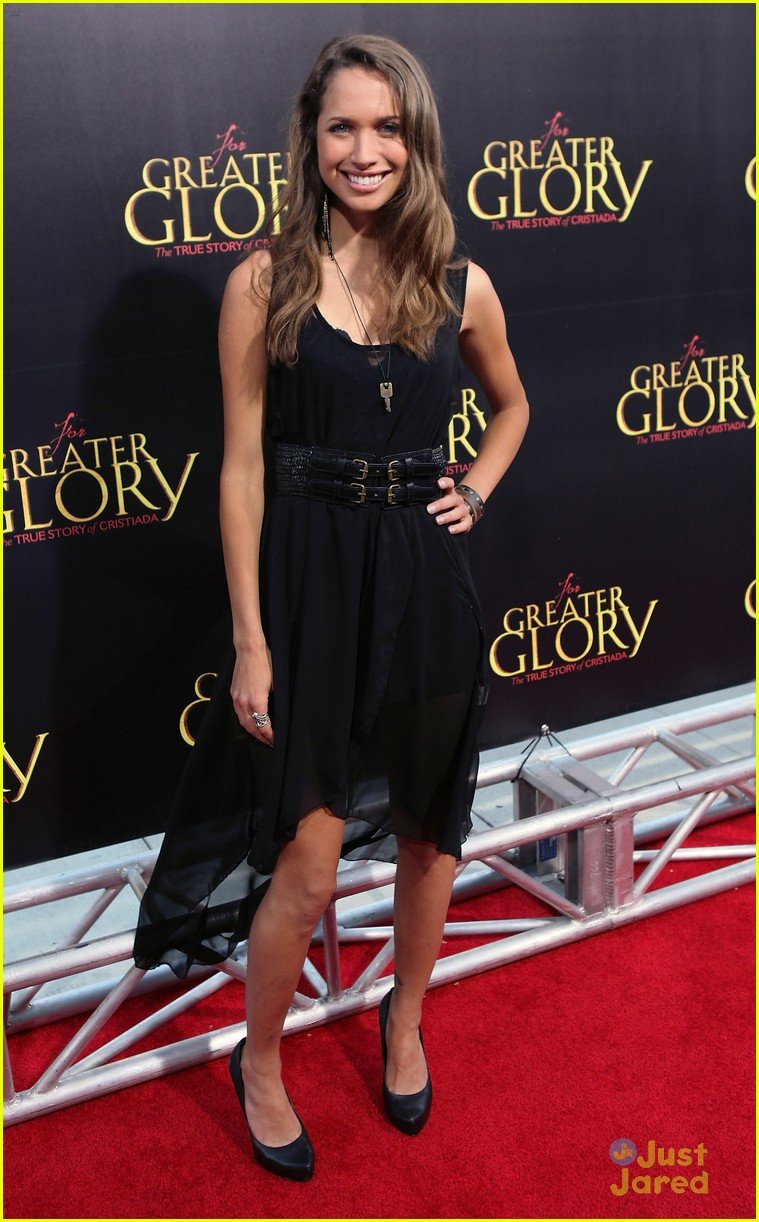 maiara walsh greater glory 05