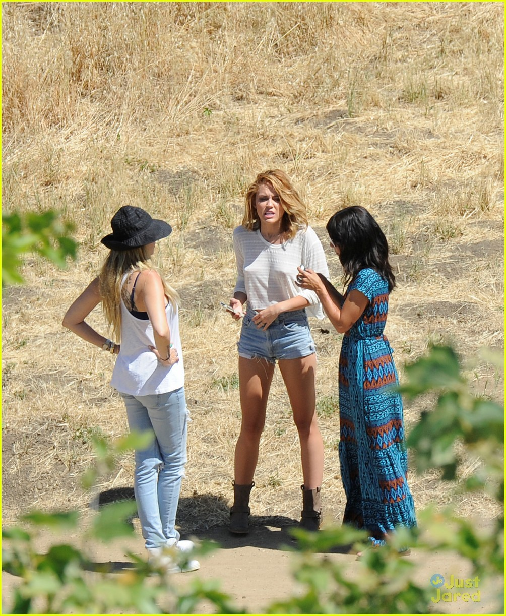 miley cyrus shoot malibu 03