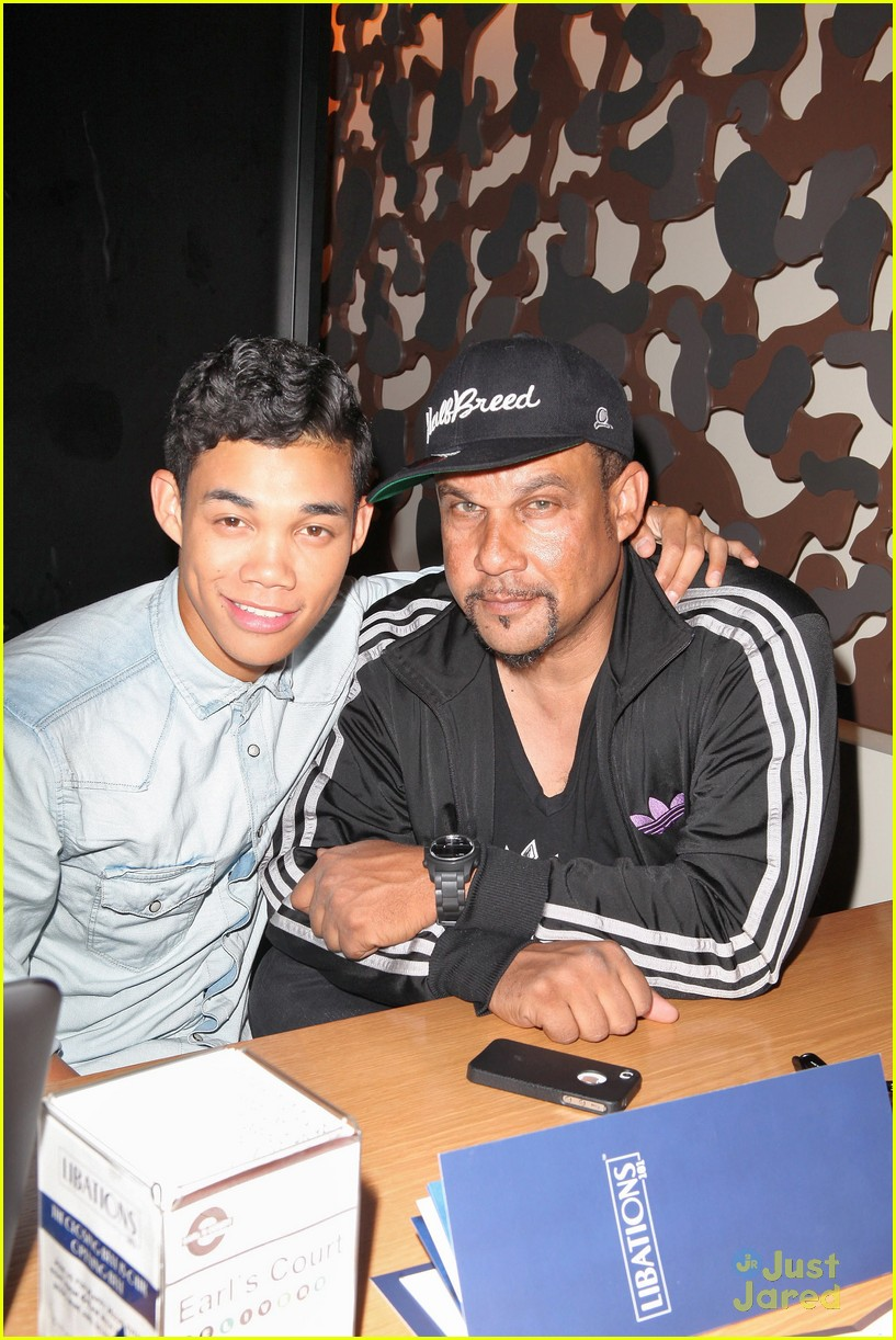 roshon fegan mlb fan cave 05
