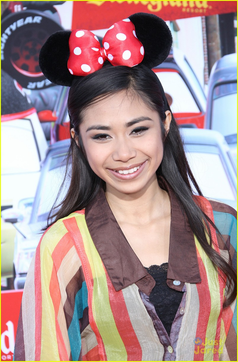 jessica sanchez cars land 03
