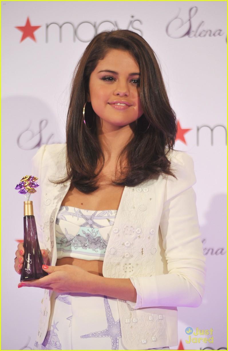 Selena Gomez Macys lansering 09