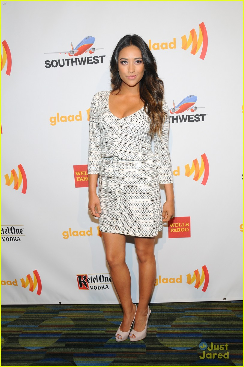 shay mitchell sneaking out 06