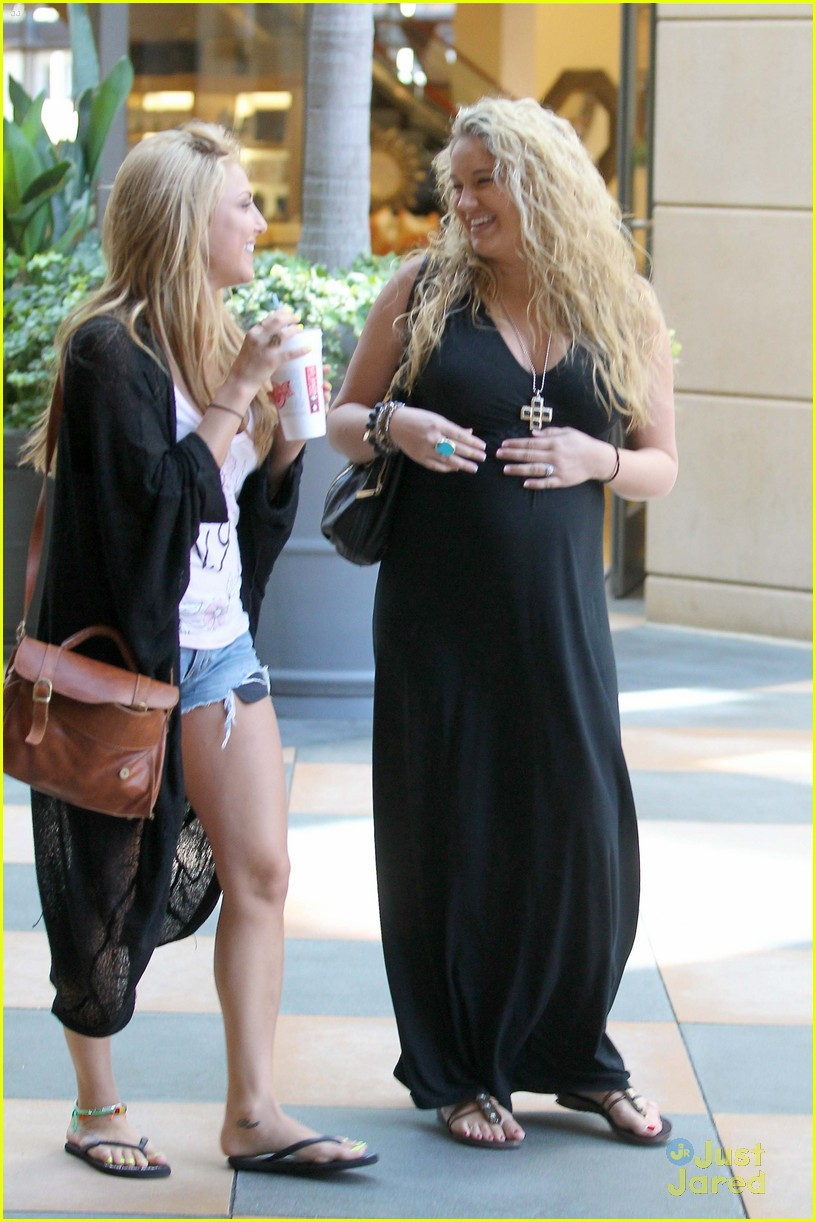 tiffany thornton lunch cassie scerbo 01