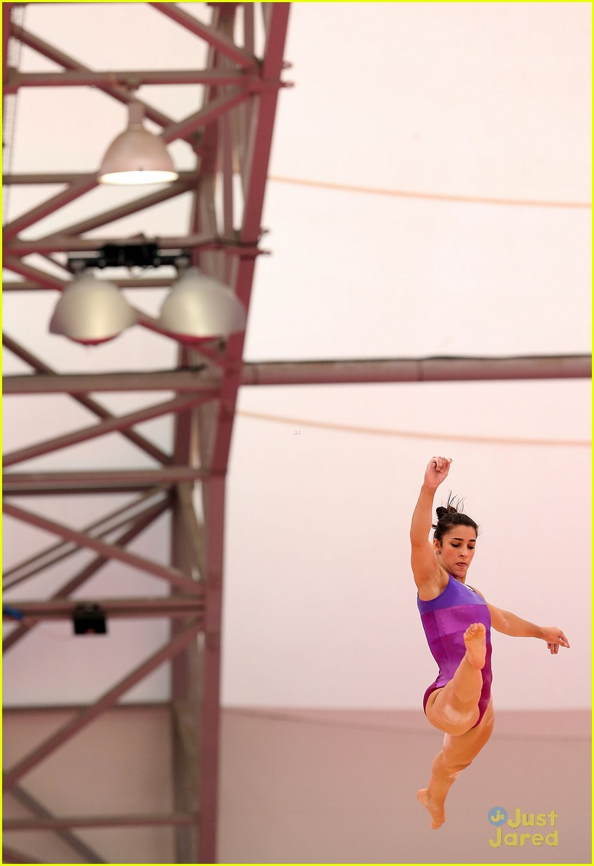 alexandra raisman jordyn out allaround 01