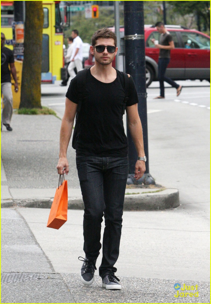 julian morris shopping vancouver 01