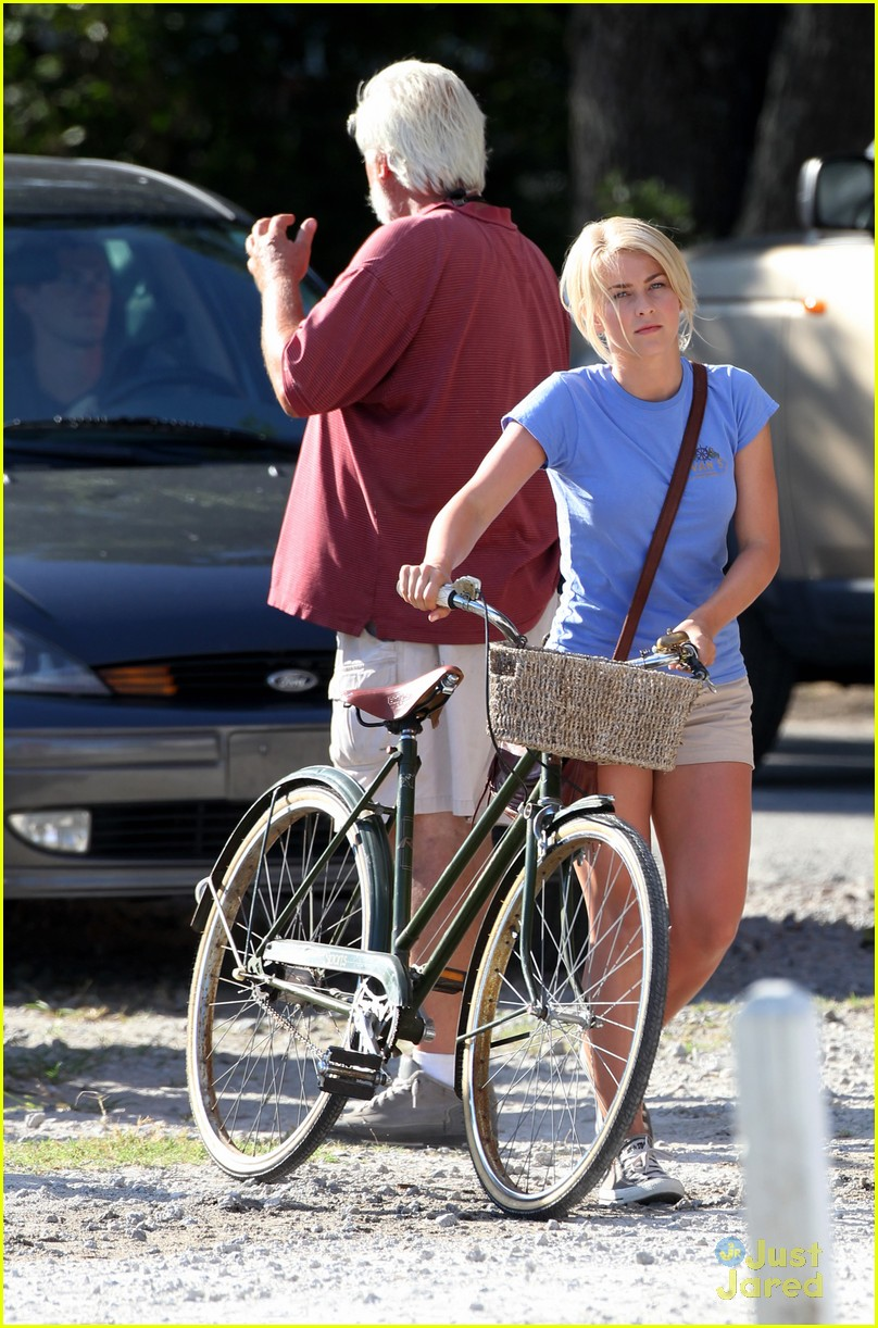 julianne hough safe haven bike 06