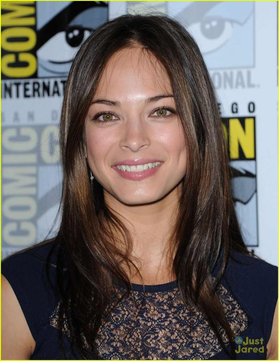 kreuk comic con 04