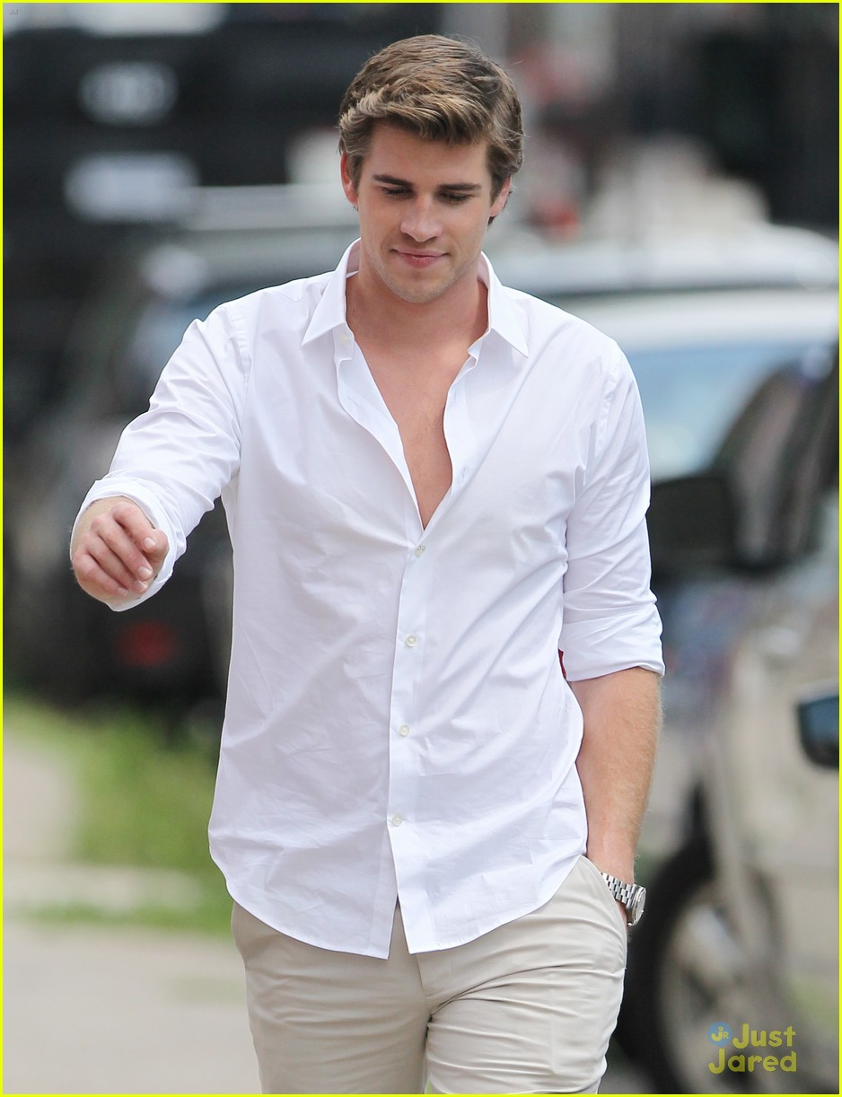 liam hemsworth scene stealer 04