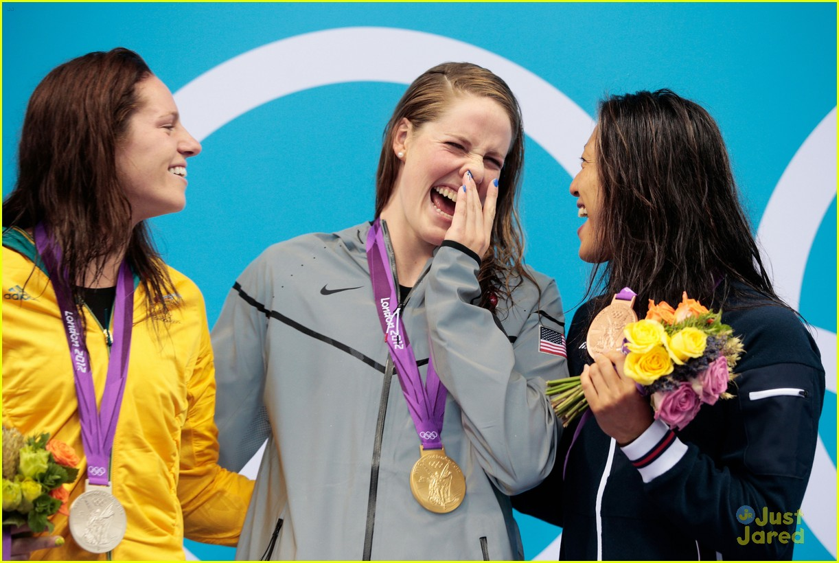 missy franklin wins gold 03