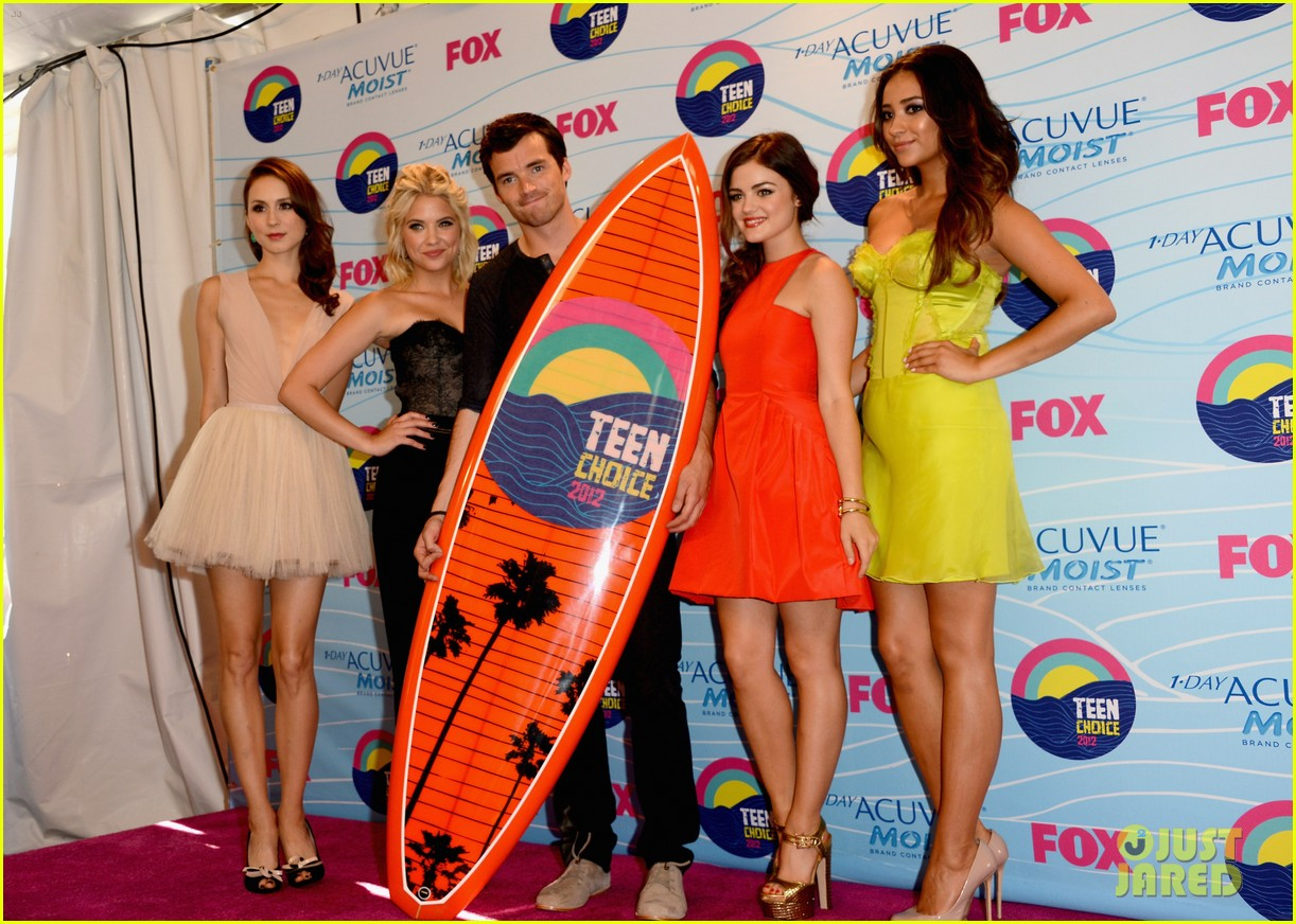 ashley benson teen choice awards 2012 16