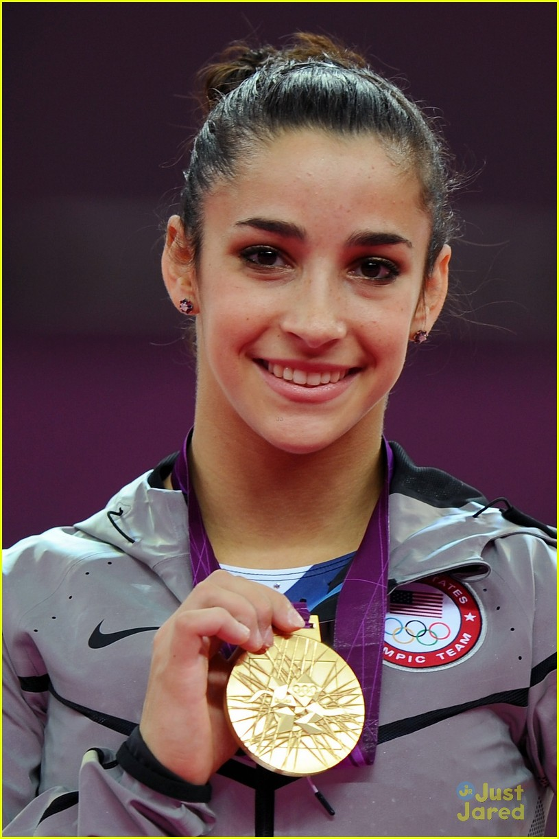 aly raisman gold floor olympics 09