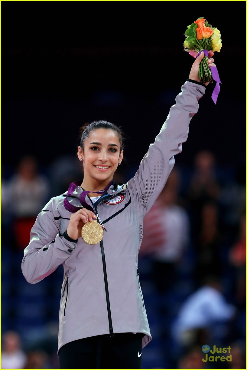 aly raisman gold floor olympics 14