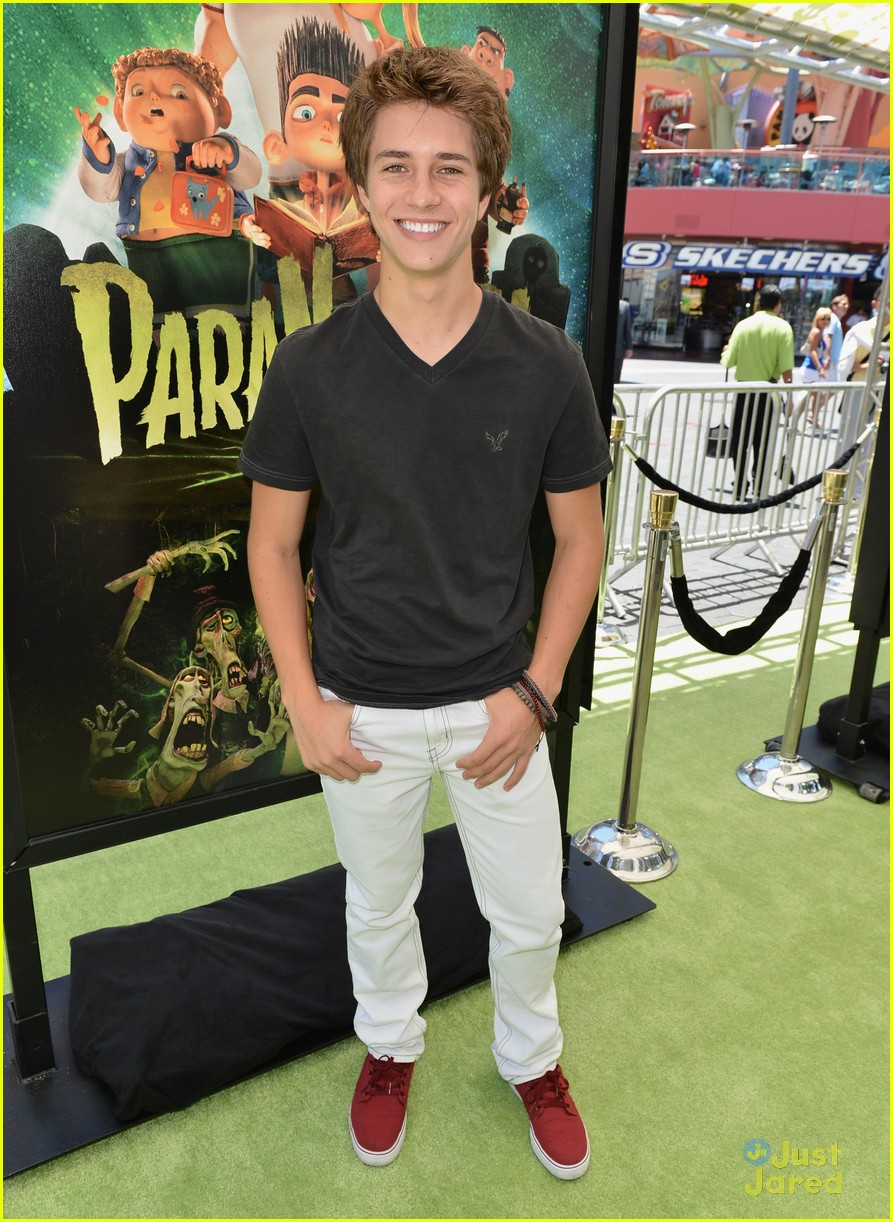 billy unger sierra mccormick paranorman 03
