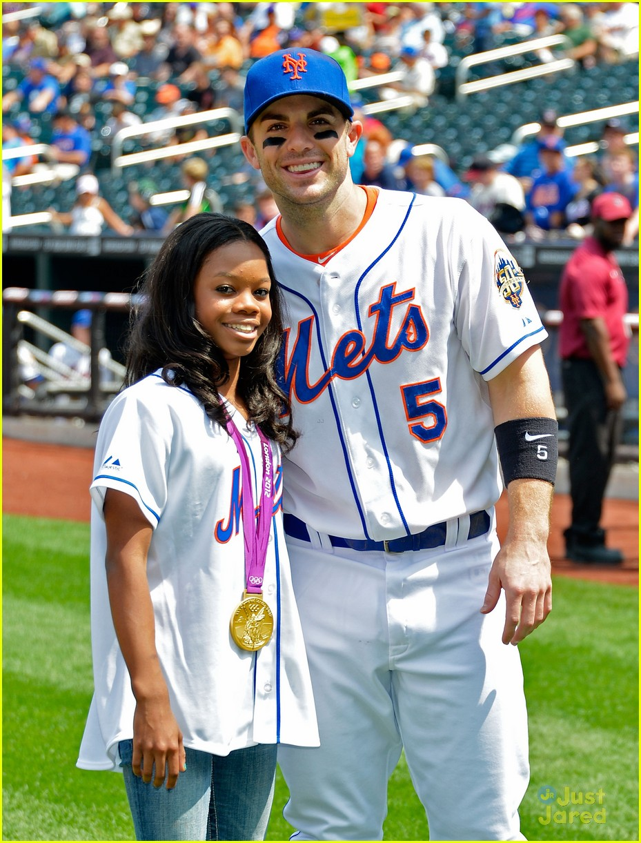 gabrielle douglas mets game 02