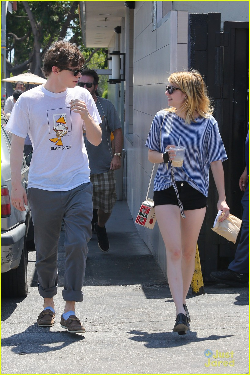 emma roberts evan peters oak market 04
