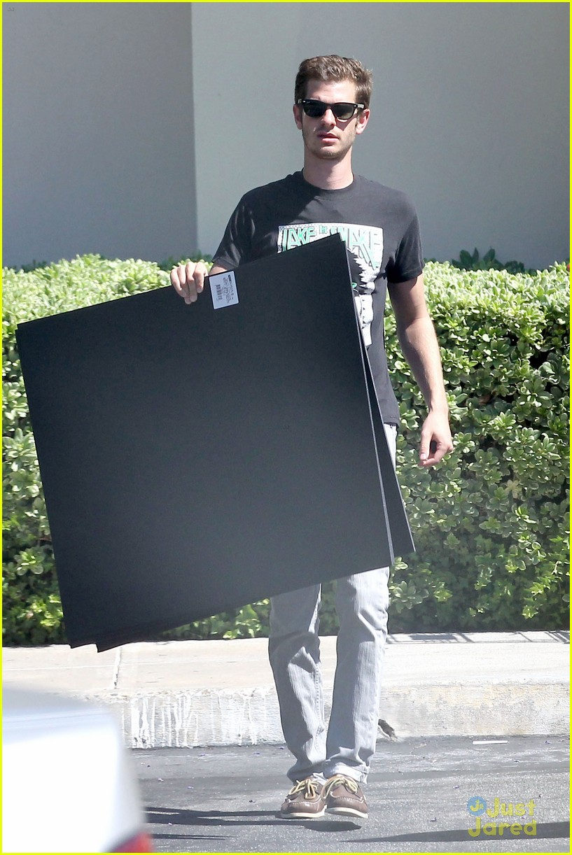 andrew garfield black board 01