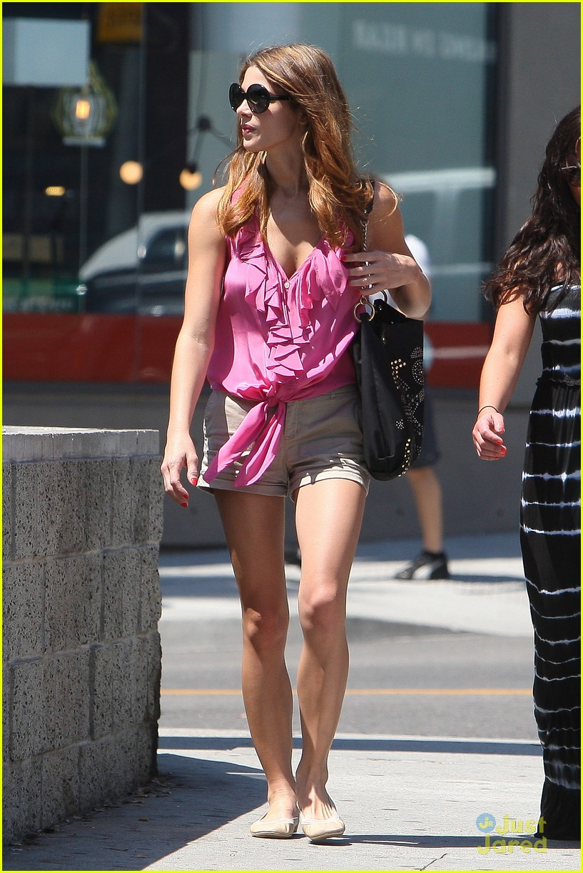 ashley greene friends alice 13