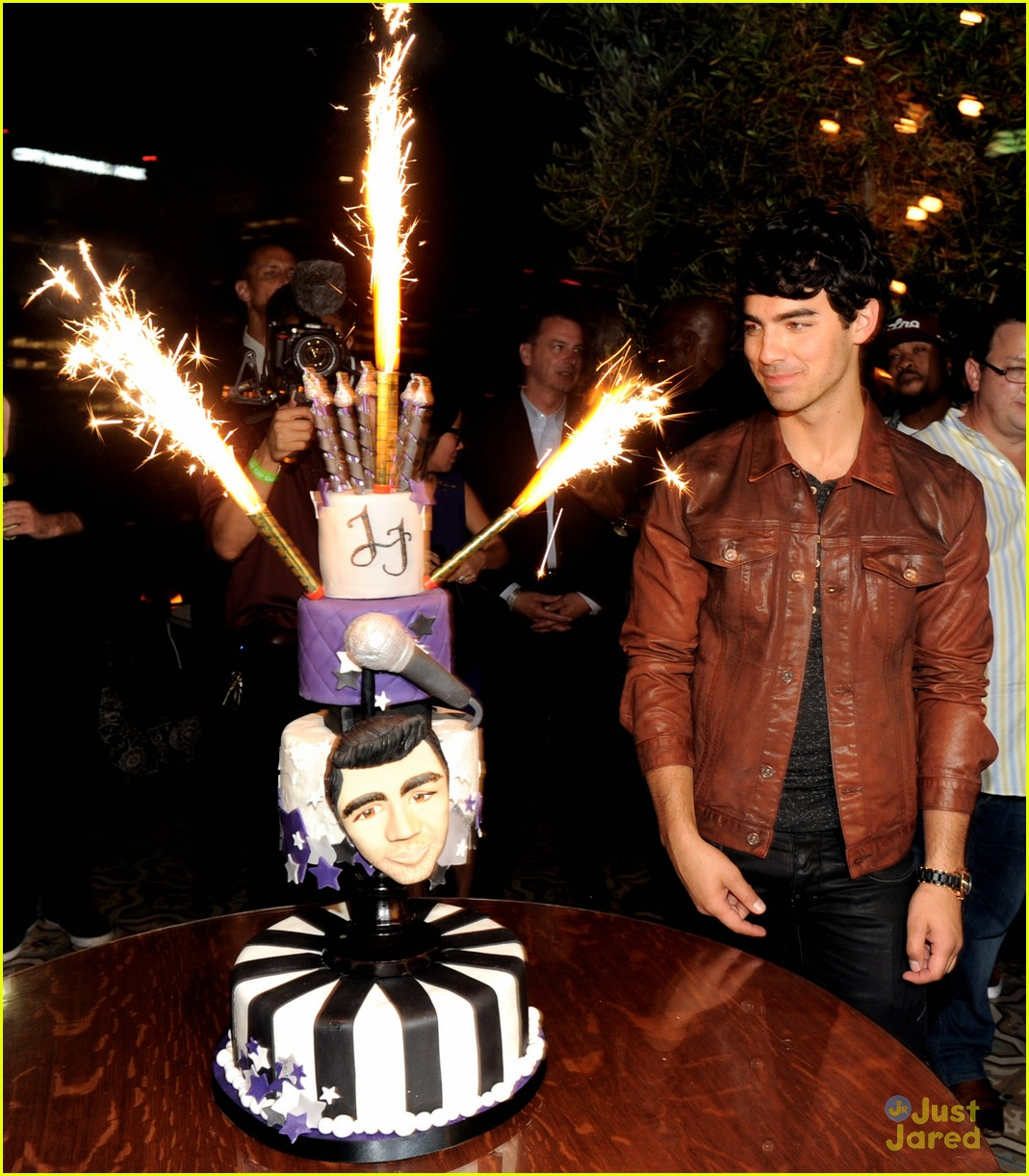 joe jonas bday cw next 03