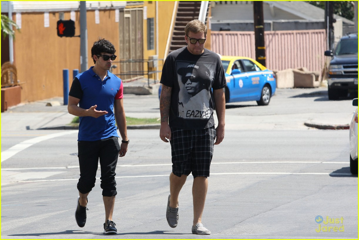 joe jonas errands next 03