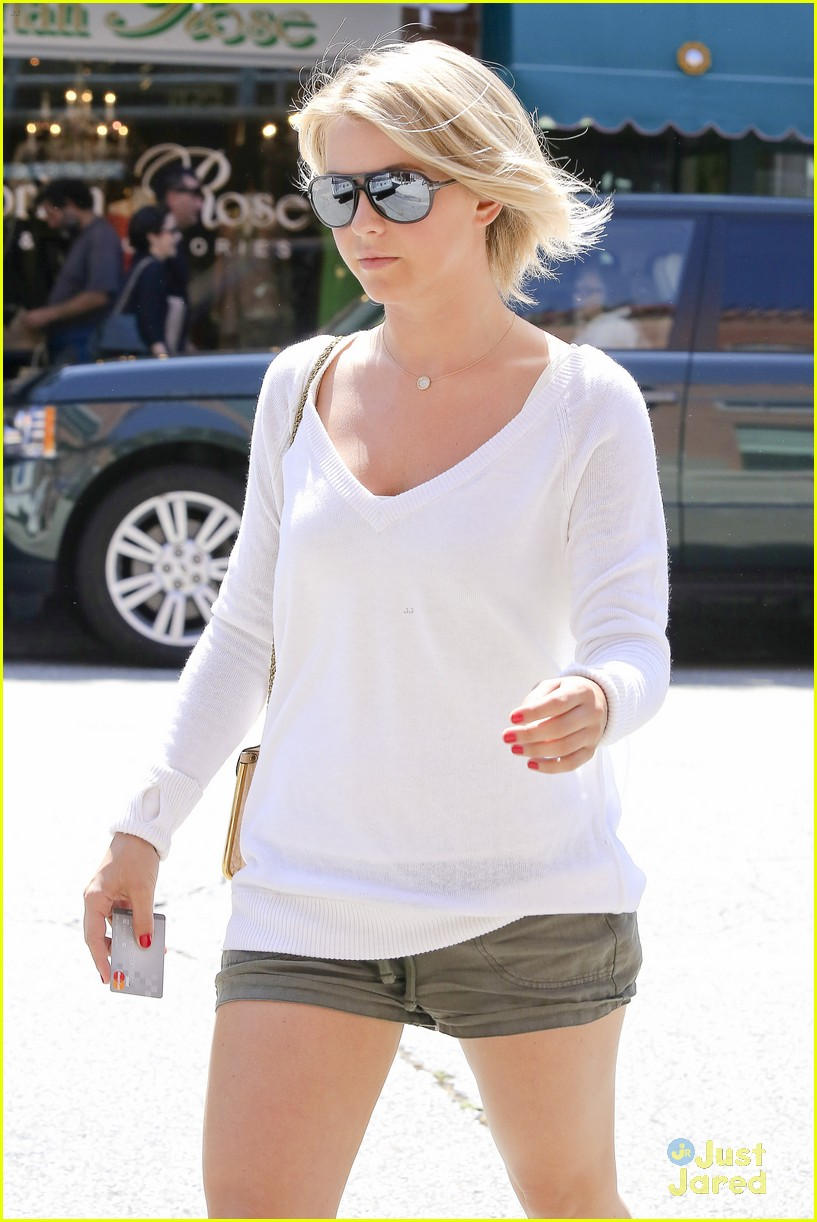julianne hough nail appt 07