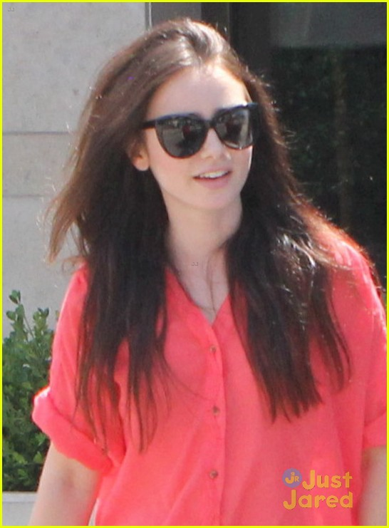 lily collins lunch red top 01