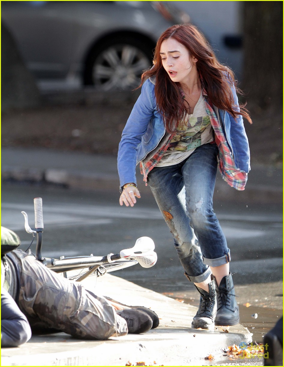 lily collins robert sheehan city bones 08