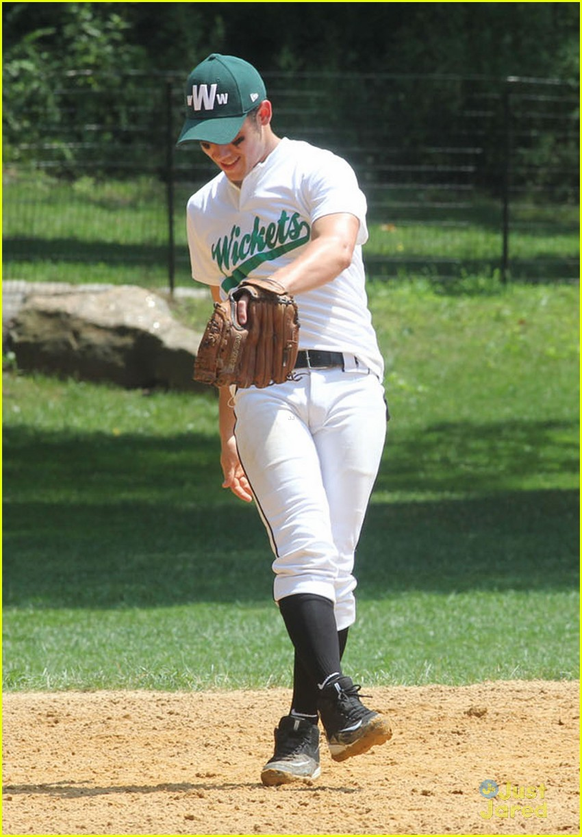 nick jonas wickets softball 04