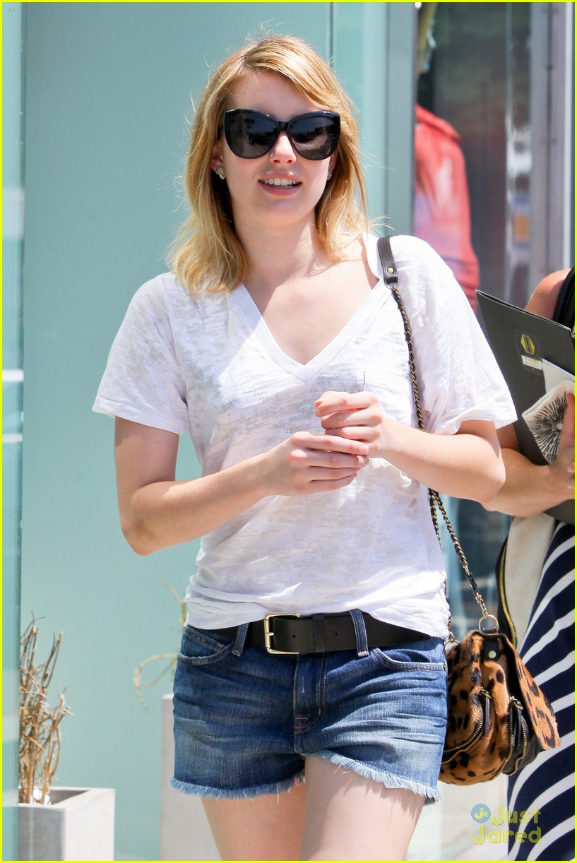 emma roberts shopping day 02