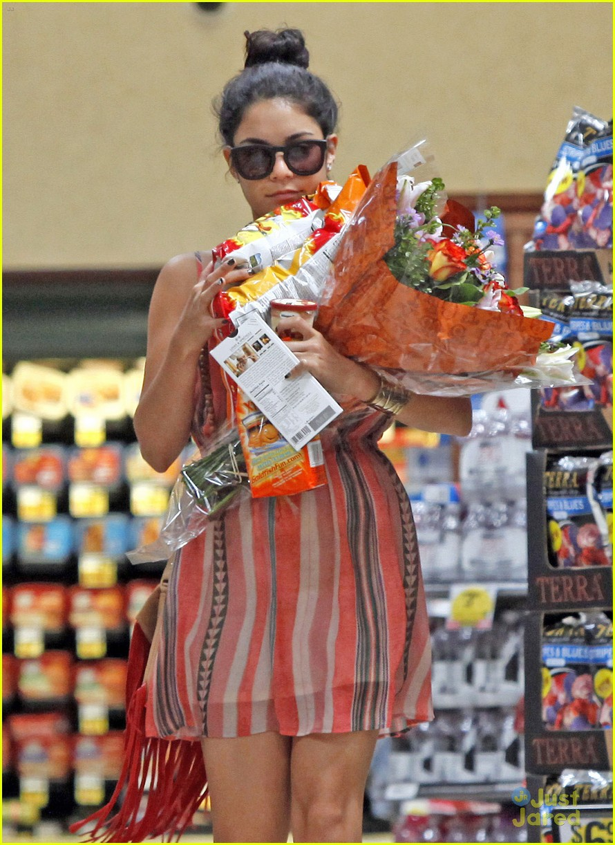 vanessa hudgens ralphs run 02