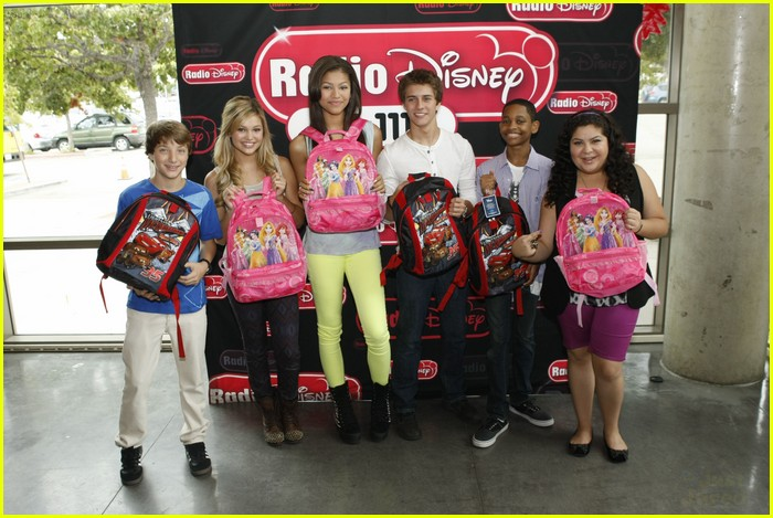 zendaya billy rd backpacks 05