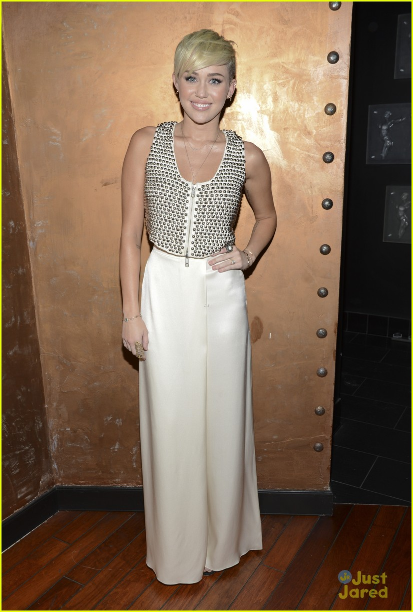 miley cyrus city hope event 03