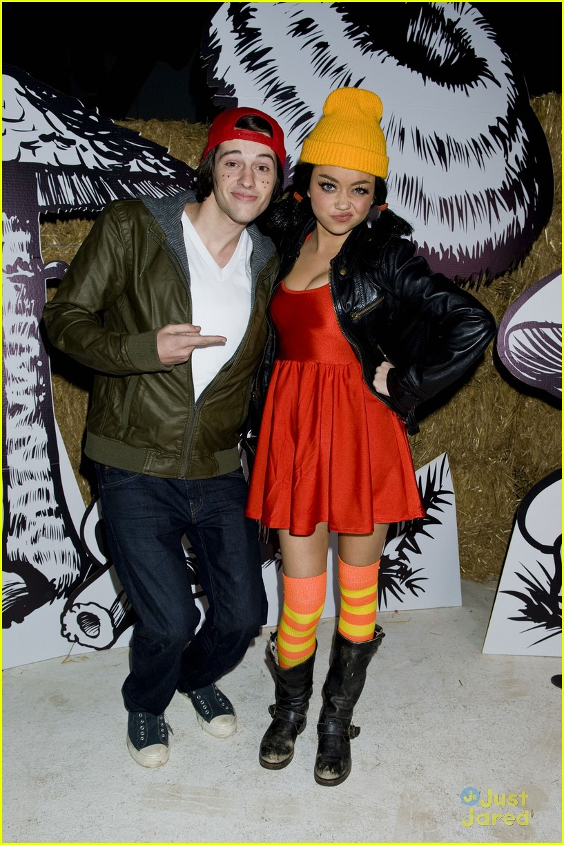 sarah hyland matt prokop tj spinelli halloween 02