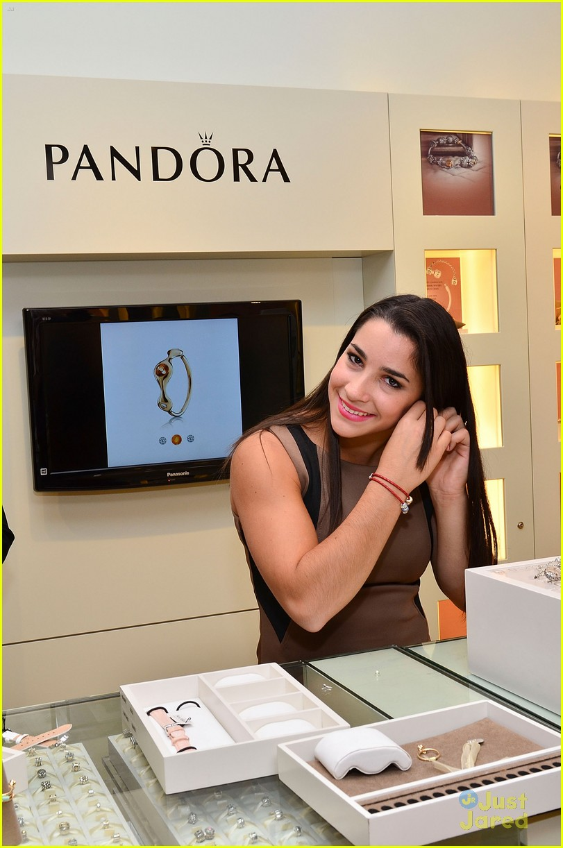 aly raisman pandora mg 03
