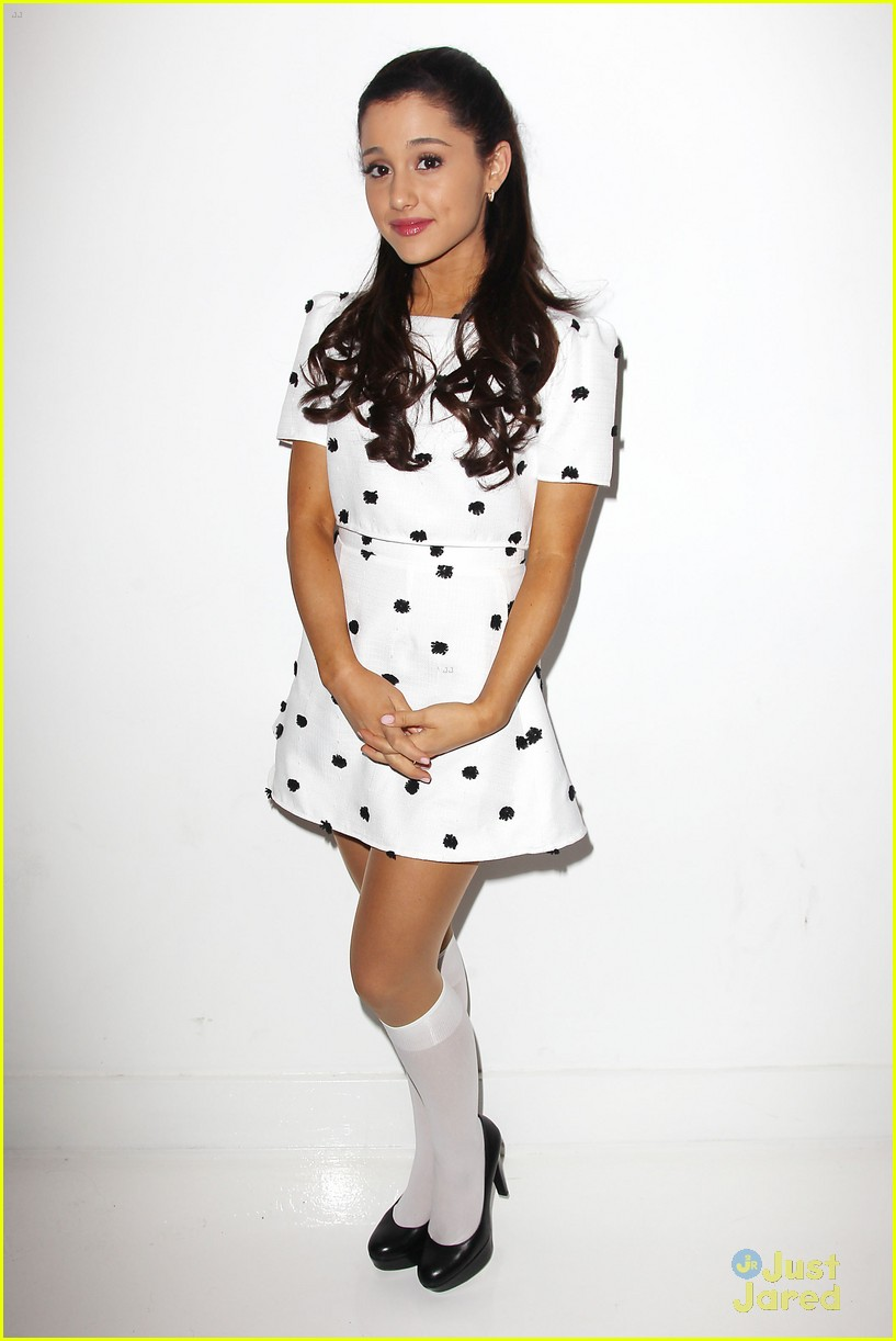 ariana grande sharpie 1d contest launch 11