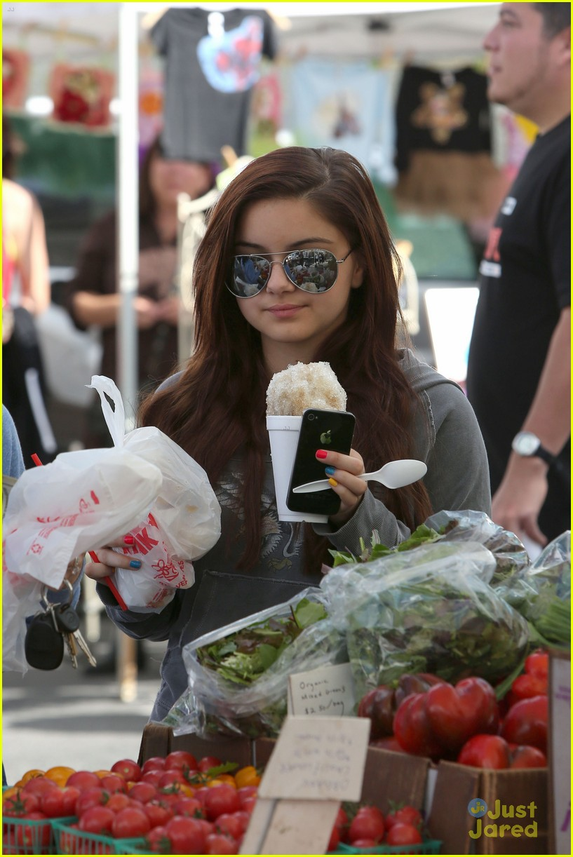 ariel winter farmers market 13