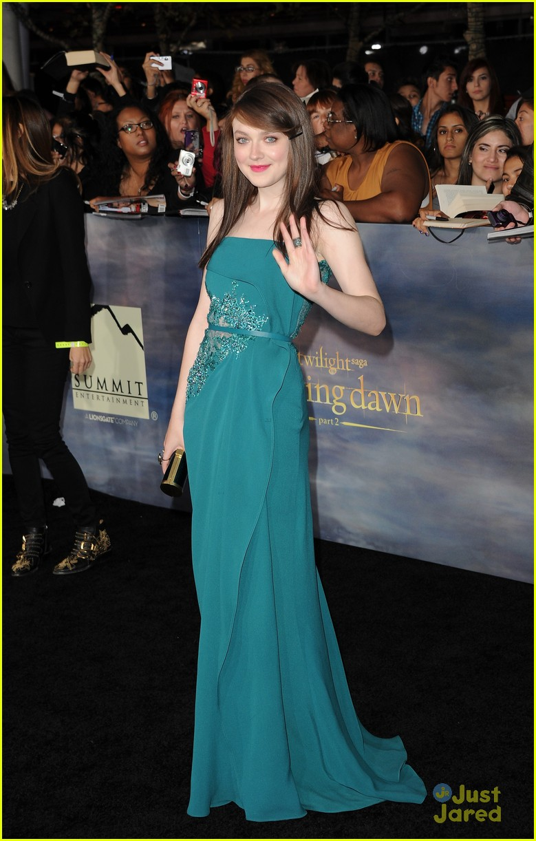 twilight breaking dawn best dressed poll 02