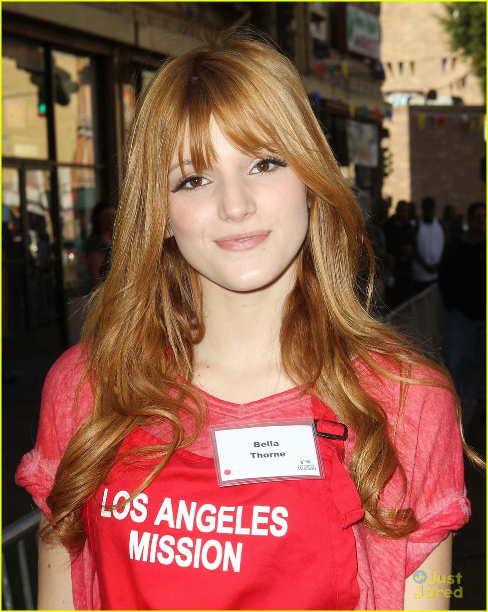 bella thorne christian serratos la mission thanksgiving 14