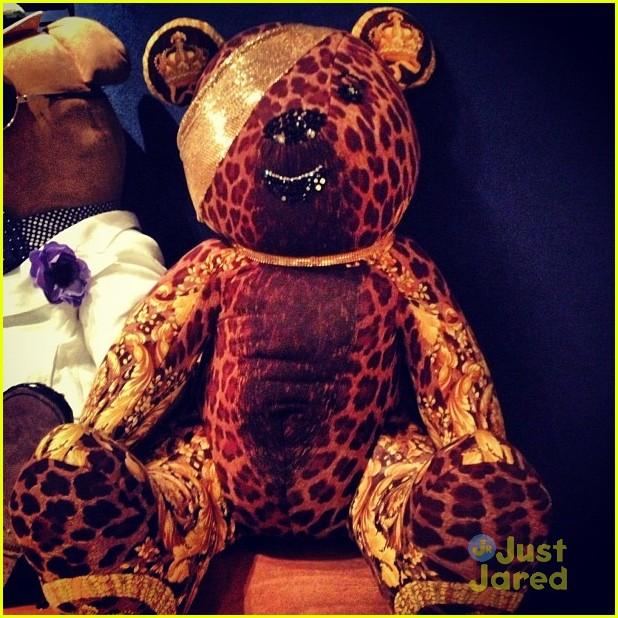 chloe moretz pudsey versace bear 01