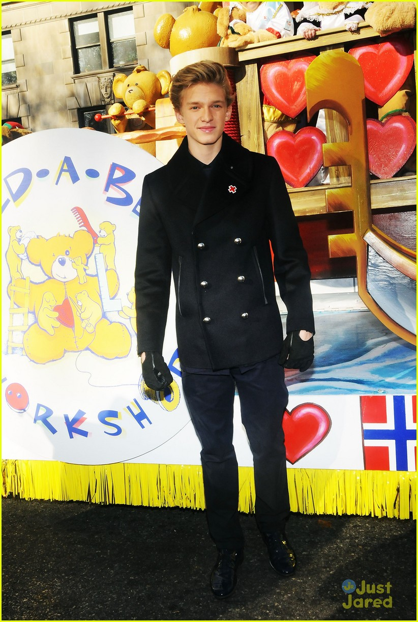 cody simpson macys parade 03